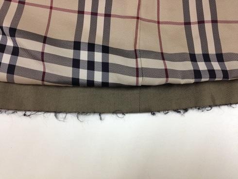 バーバリーコート裾の破れ修理before