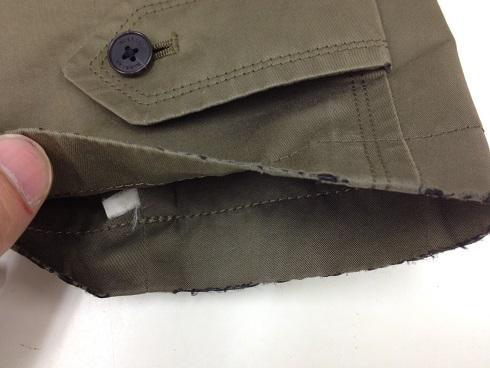 バーバリーコート袖口の破れ直しbefore