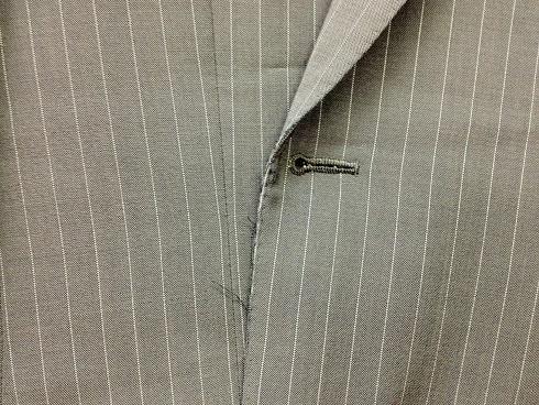 スーツ(ジャケット)の前身頃の端のスリキレ直しbefore