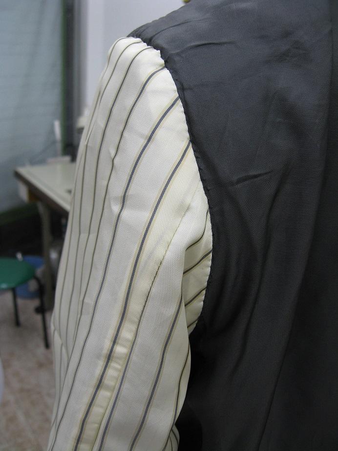 スーツの裏地の破れ修理after