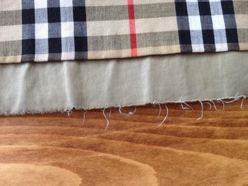 バーバリーコート裾の擦り切れ直しbefore