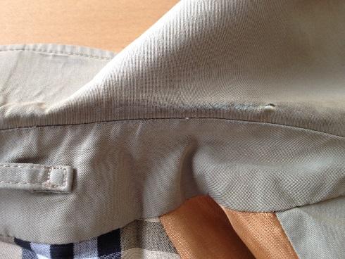バーバリーコート衿の擦り切れ修理before