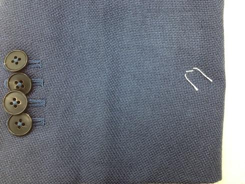 スーツのタバコの焦げ穴の修復(かけはぎ)after