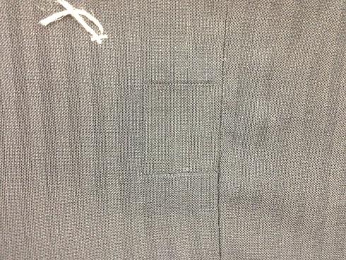 スーツの背中 虫食いafter