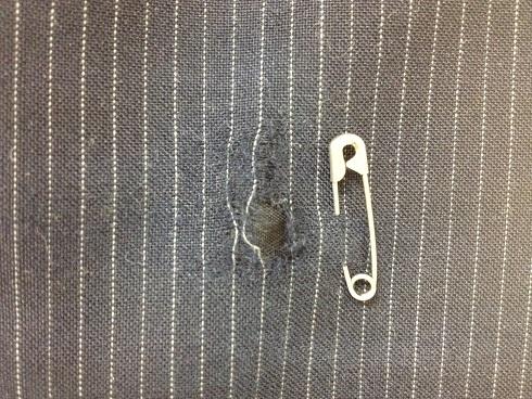 スーツズボンの破れ かけはぎbefore