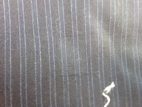 スーツの穴の修復after