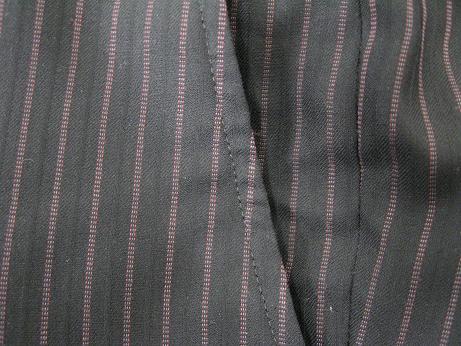スーツ(ズボン)の前ポケットの端の破れ修理です。after