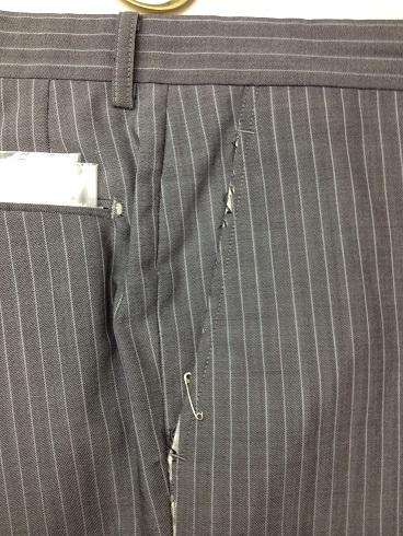 スーツのパンツの脇ポケット口の修理before