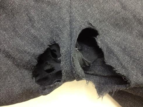 ズボンの内股に大きく穴が開いたbefore