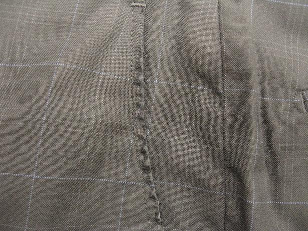 スーツ(パンツ)の脇(前)ポケットのスリキレ直しbefore